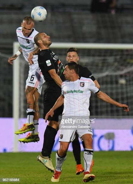 Aljaz Struna of US Citta di Palermo jump for the ball during the serie B match between Venezia FC and US Citta di Palermo at Stadio Pier Luigi Penzo...