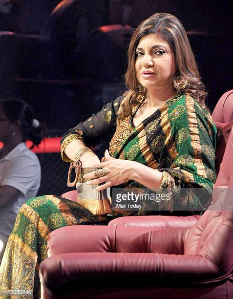 Alka Yagnik on the sets of Sa Re Ga Ma Lil Champs at Famous Studio Mumbai on August 23 2011