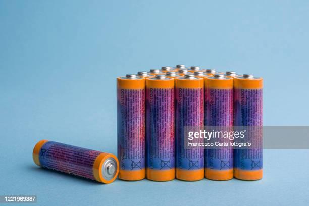 alkaline batteries - 電源 ストックフォトと画像