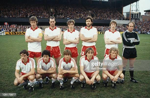 Alkmaar during the 1981 UEFA Cup runners-up match against Ipswich Town, 6th May 1981. Back row:Hugo Hovenkamp , John Metgod, Richard van der Meer,...