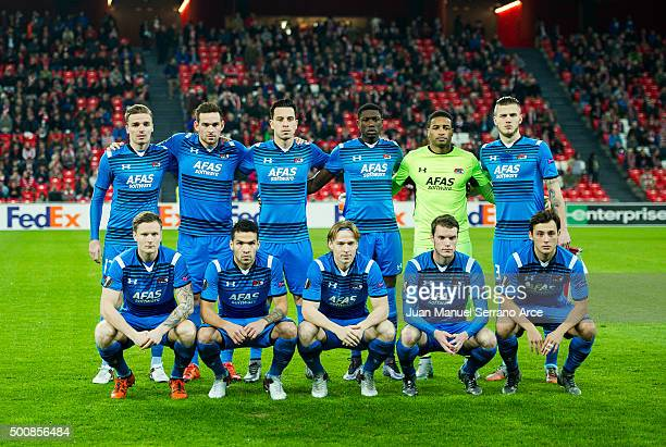 Alkmaar line up for a team photo prior to the start the UEFA Europa League match between Athletic Club and AZ Alkmaar at San Mames Stadium on...