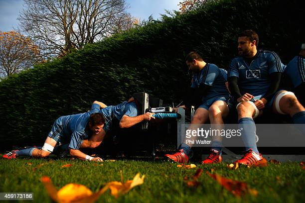 All Black captain Richie McCaw packs down for a scrum during the New Zealand All Blacks training session at Sophia Gardens on November 18, 2014 in...
