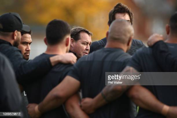All Black coach Steve Hansen talks to the forwards during a New Zealand All Blacks captain's run at The Lensbury on November 9, 2018 in London,...