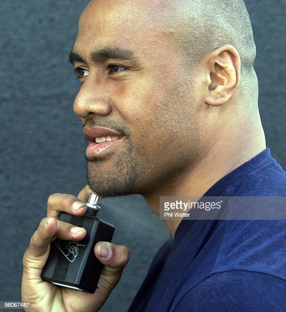 All Black rugby star Jonah Lomu trys his new aftershave 'No11' in Auckland's Rebel Sport superstore after a promotion sessionWednesdayDIGITAL IMAGE