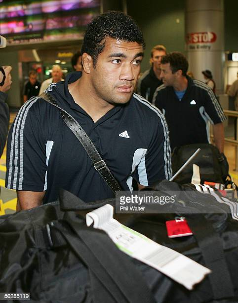 All Black Saimone Taumoepeau arrives home from the All Black's end of year tour to the UK at the Auckland International Airport November 29 2005 in...