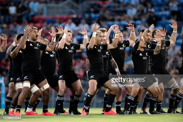 All Blacks perform the Haka during the Tri-Nations round 5 rugby match between the Argentina Pumas and the New Zealand All Blacks at McDonald Jones...