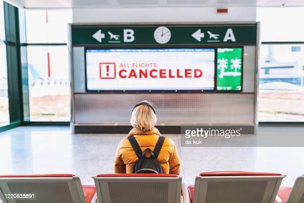 すべてのフライトがキャンセルされました - 取り消し ストックフォトと画像