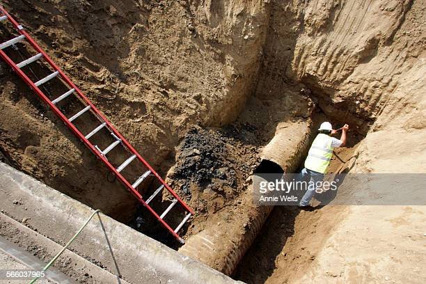 All lanes on the northbound 110 freeway just north of Fair Oaks in South Pasadena were closed due to a sinkhole this morning July 17, 2008. Baltazar...