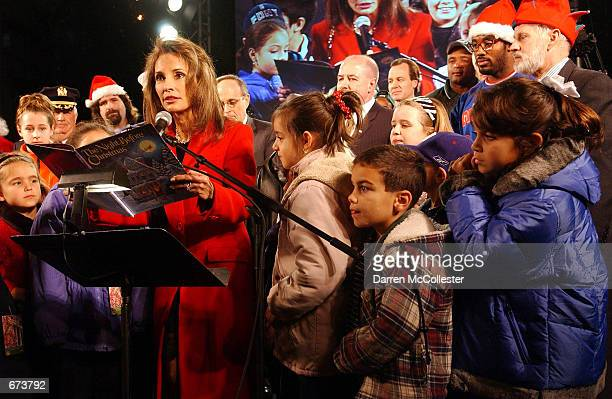 All my Children star Susan Lucci reads Twas the Night Before Christmas November 27 2001 at the 78th annual lighting of the New York Stock Exchange...