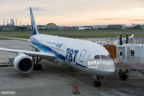 all nippon airways boeing 787 dreamliner in japan - matsuyama ehime stock pictures, royalty-free photos & images