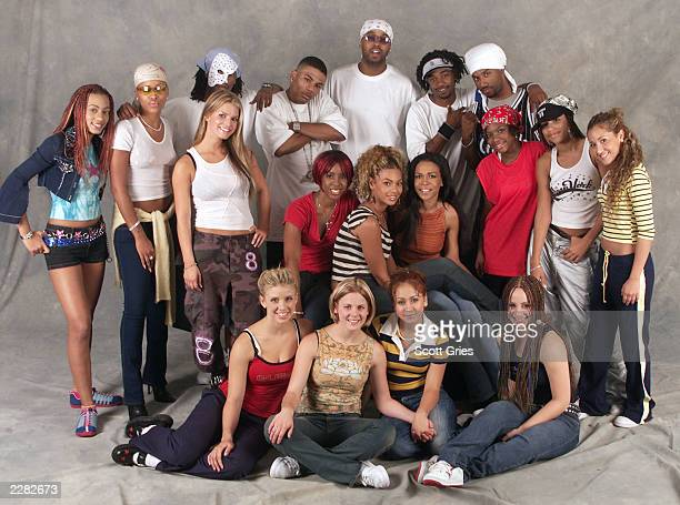 All of the performers on the MTV TRL Tour Destiny's Child Nelly Eve Jessica Simpson 3LW and Dream pose for a photo at the Pepsi Arena in Albany NY...