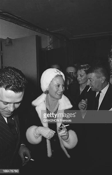 All Paris Came To Applaud Edith Piaf At The Olympia Le tout Paris venu applaudir Edith PIAF à l'Olympia dans la salle Michèle MORGAN souriante fumant...