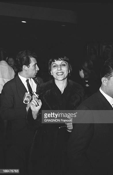 All Paris Came To Applaud Edith Piaf At The Olympia Le tout Paris venu applaudir Edith PIAF à l'Olympia dans la salle Alice SAPRITCH souriante une...