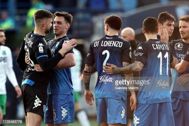 All Players of Empoli Fc greets fans after during the Serie A match between Empoli and US Sassuolo at Stadio Carlo Castellani on February 17 2019 in...