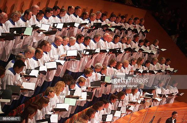 All Saints Episcopal Church choir during Twas the night before christmas concert at the Disney Hall Sunday December 18 2005 Times Reporter Deborah...