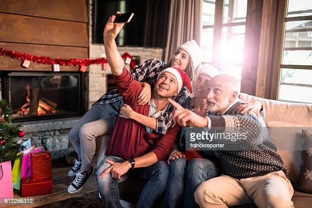 Die ganze Familie ein selfie für Weihnachten