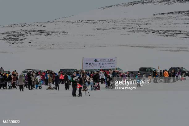 BAY INUKJUAK NUNAVIK QUEBEC CANADA All the village of Inukjuak is coming for the arrival of the dogs sleds Since 2001 Ivakkak has been an event which...
