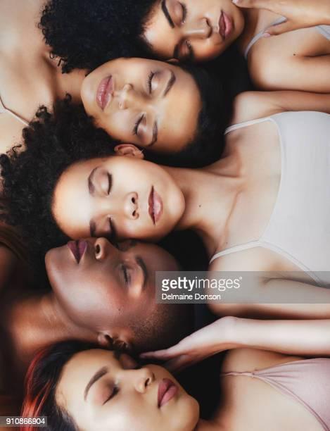 toda mulher, todos lindos - melanina - fotografias e filmes do acervo