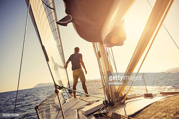 all you need is a good dose of vitamin sea - watervaartuig stockfoto's en -beelden