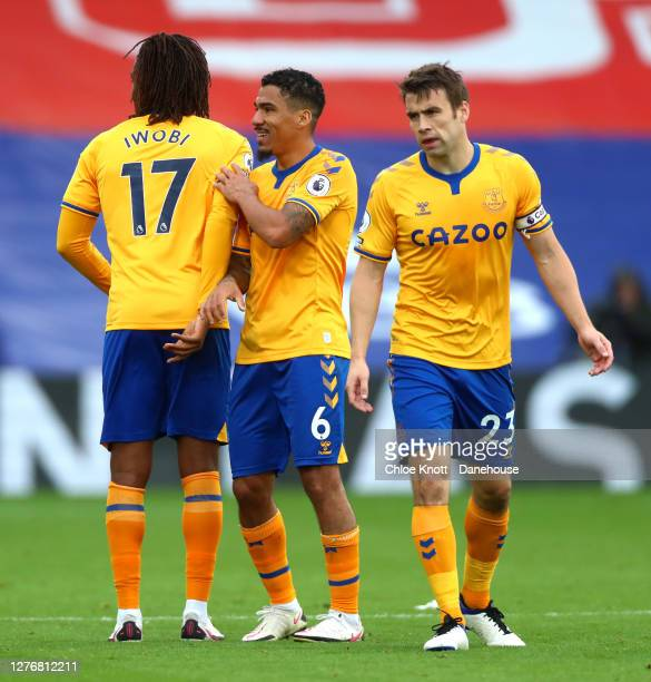 Allan Alex Iwobi and Michael Keane of Everton celebrate at the end of the Premier League match between Crystal Palace and Everton at Selhurst Park on...