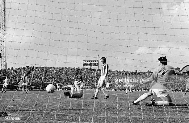 Allan Clarke of Leeds United scores past Stoke City goalkeeper Gordon Banks during their match held at the Victoria Ground StokeonTrent on 9th...