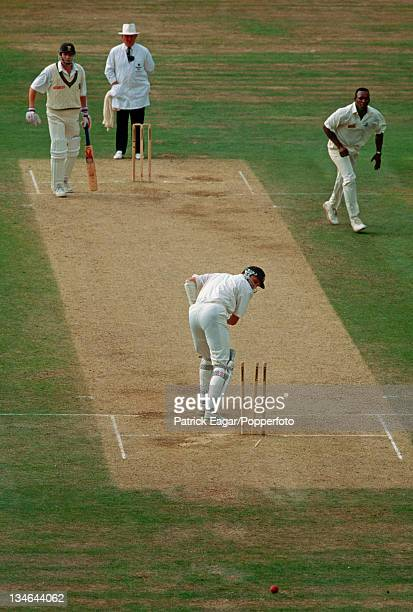 Allan Donald is bowled by Devon Malcolm the last wicket and Malcolm finishes with 957 England v South Africa 3rd Test The Oval Aug 94