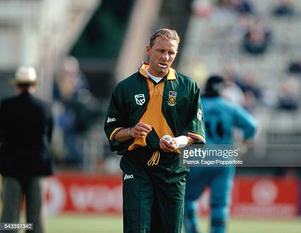 Allan Donald of South Africa prepares to bowl during the ICC Cricket World Cup Super Sixes match between New Zealand and South Africa at Edgbaston...