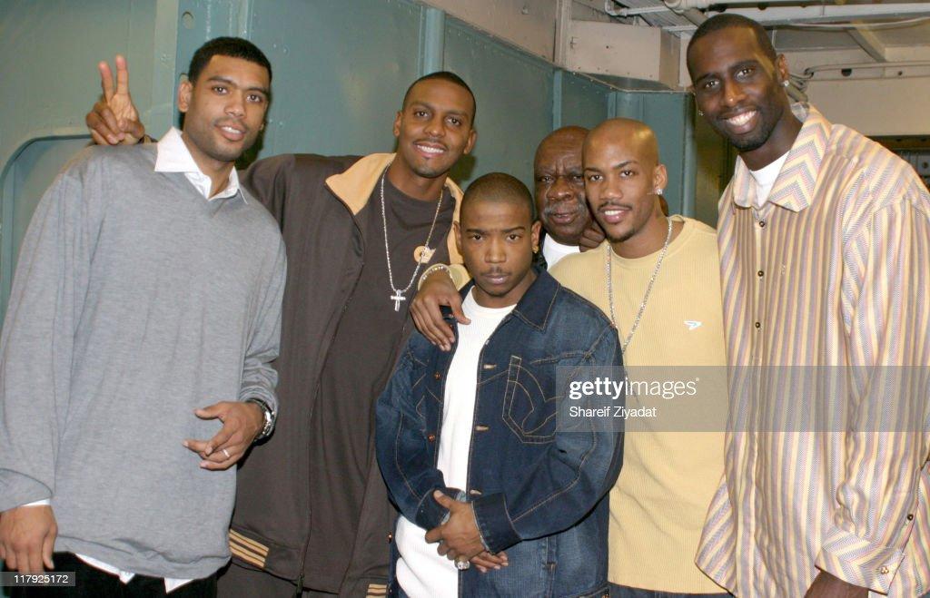 New York Knicks 2004 Christmas Carnival Featuring Fat Joe and Ja Rule : News Photo