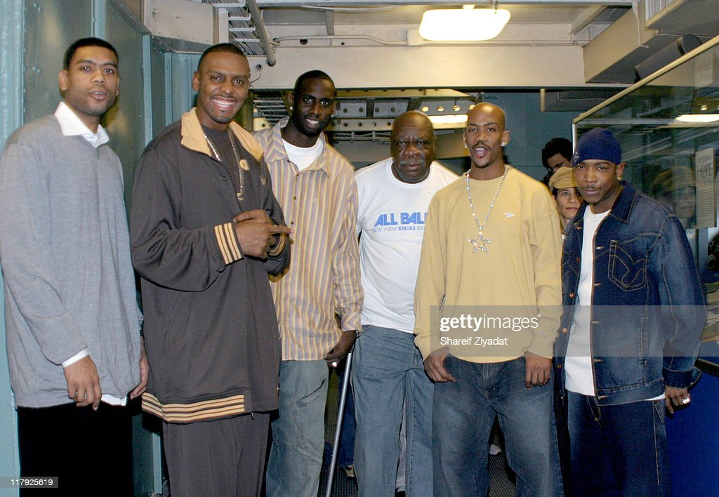 New York Knicks 2004 Christmas Carnival Featuring Fat Joe and Ja Rule : News Photo