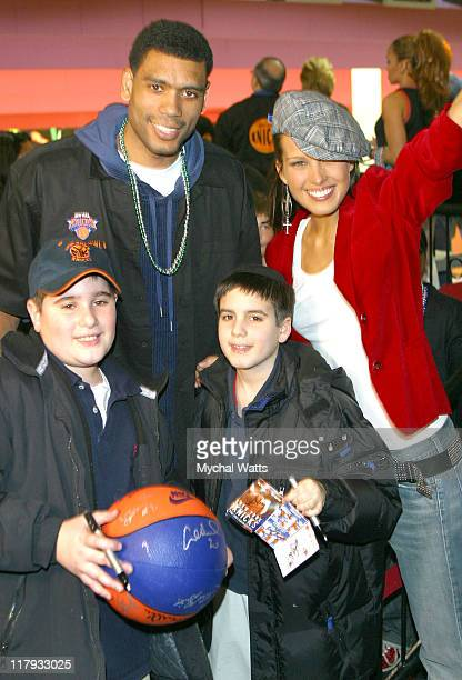 Allan Houston Petra Nemcova and young Knicks Fans