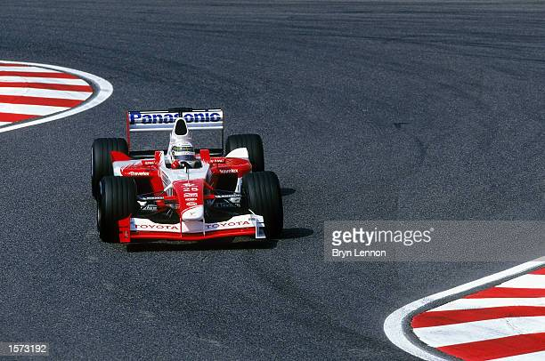 Allan McNish of Toyota in action during the Japanese Grand Prix held on October 13 2002 at the Suzuka Grand Prix Racing Circuit Suzuka in Japan