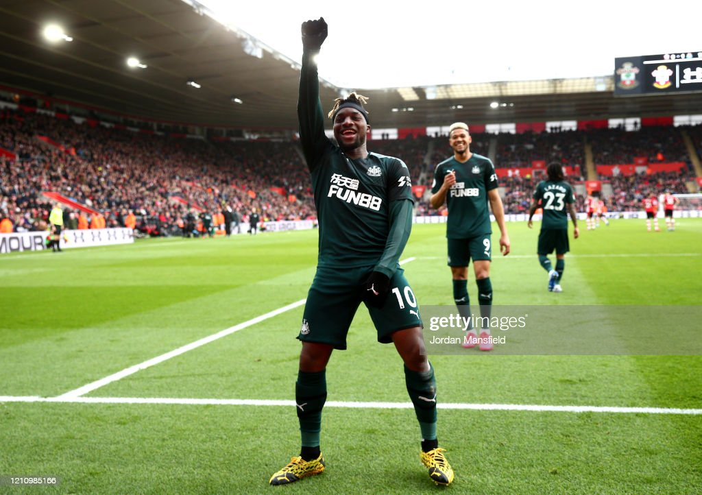 Southampton FC v Newcastle United - Premier League : News Photo