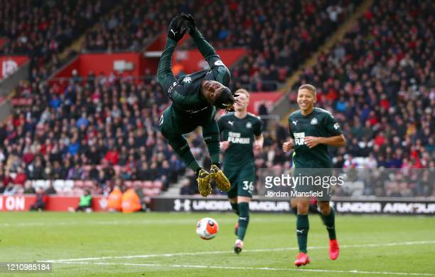 Allan SaintMaximin of Newcastle United celebrates after scoring his team's first goal during the Premier League match between Southampton FC and...