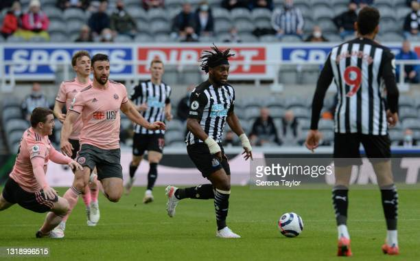 Allan Saint-Maximin of Newcastle United FC runs with the ball during the Premier League match between Newcastle United and Sheffield United at St....