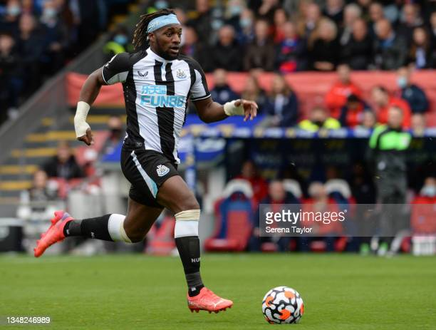 Allan Saint-Maximin of Newcastle United FC runs with the ball during the Premier League match between Crystal Palace and Newcastle United at Selhurst...