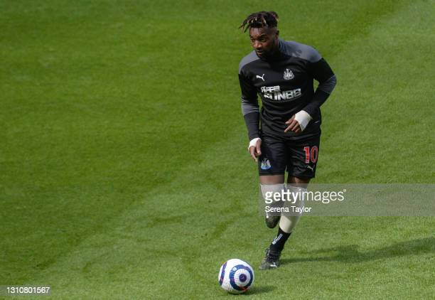 Allan Saint-Maximin of Newcastle United FC warms up during the Premier League match between Newcastle United and Tottenham Hotspur at St. James Park...