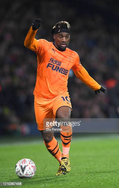Allan SaintMaximin of Newcastle United in action during the FA Cup Fifth Round match between West Bromwich Albion and Newcastle United at The...
