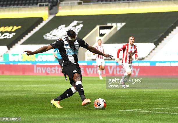 Allan Saint-Maximin of Newcastle United scores his sides first goal during the Premier League match between Newcastle United and Sheffield United at...