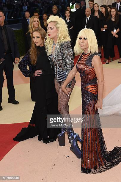 Allegra Versace Beck Lady Gaga and Donatella Versace attend the Manus x Machina Fashion In An Age Of Technology Costume Institute Gala at...