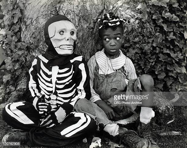 Allen Hoskins as Farina with a ghost in 'Bouncing Babies' one of the Our Gang series later to be known as The Little Rascals Original release October...