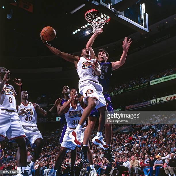 Allen Iverson of the Philadelphia 76ers shoots against the Sacramento Kings on February 6 2000 at the Wachovia Center in Philadelphia Pennsylvania...