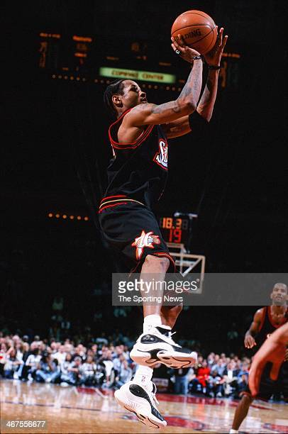 Allen Iverson of the Philadelphia 76ers shoots during the game against the Houston Rockets on February 3 2000 at Compaq Center in Houston Texas
