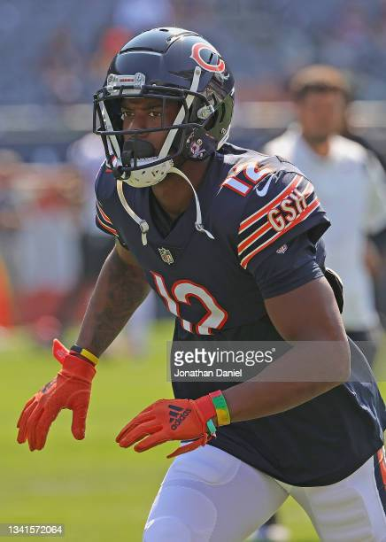Allen Robinson of the Chicago Bears participates in warm-ups before a game against the Cincinnati Bengals at Soldier Field on September 19, 2021 in...