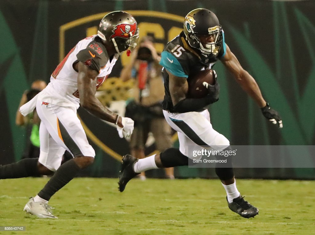 Tampa Bay Buccaneers v Jacksonville Jaguars : News Photo