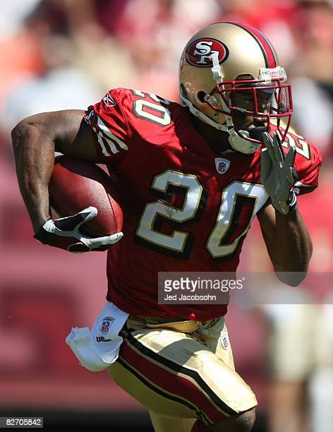 Allen Rossum of the San Francisco 49ers returns a kick off against the Arizona Cardinals during an NFL game on September 7 2008 at Monster Park in...