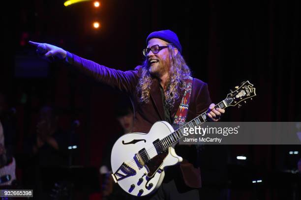 Allen Stone performs onstage at the Second Annual LOVE ROCKS NYC A Benefit Concert for God's Love We Deliver at Beacon Theatre on March 15 2018 in...
