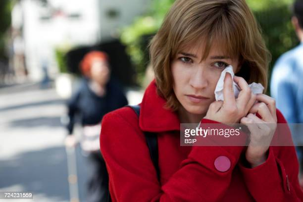 allergy, woman - conjunctivitis stock pictures, royalty-free photos & images