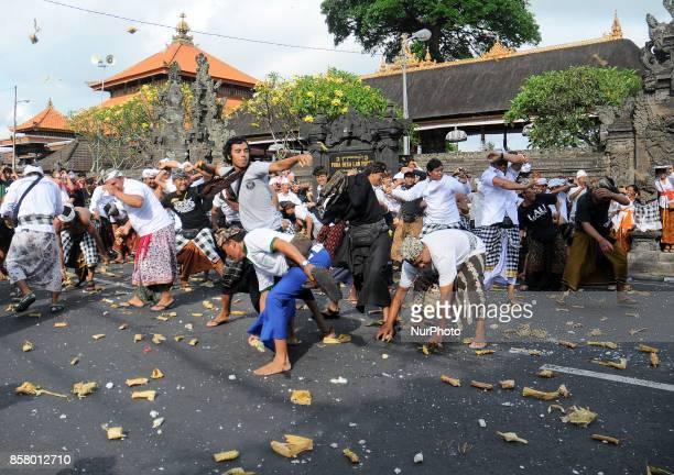 Allert status of the mount Agung people in Bali held a quotSiat Tipat Bantal' ceremonial in Desa Adat Kapal Bali Denpasar Indonesia On Ocktober2017...