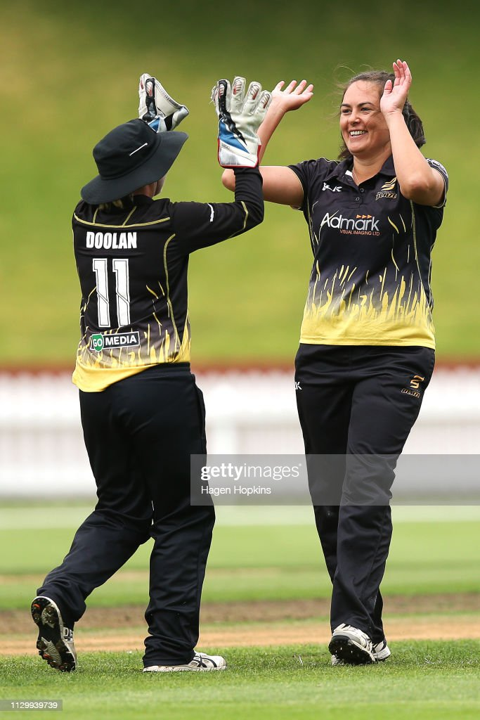 NZL: Wellington Blaze vs Canterbury Magicians - Hallyburton Johnstone Shield