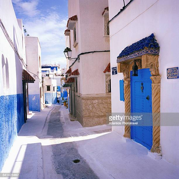 alley and blue buildings in kasbah des oudaias - rabat morocco stock pictures, royalty-free photos & images